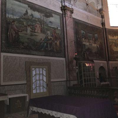 Az oltár freskói