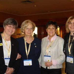 Hölgykoszorú a Rotary Tag-on