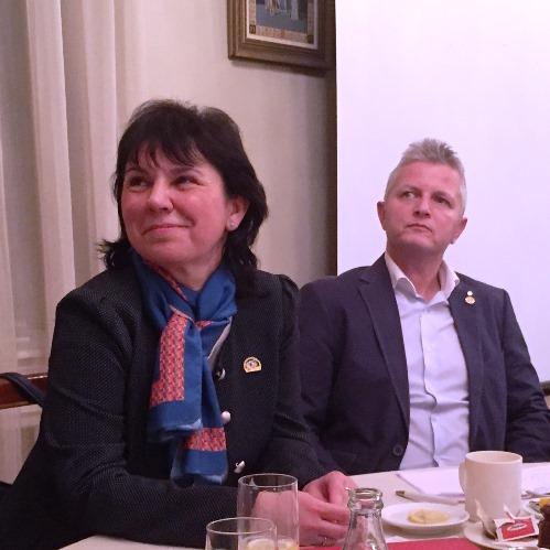 Pénzes Ilona kormányzó asszony a klubban