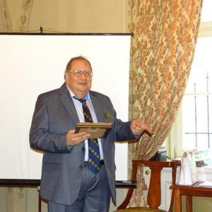Kincstárnokunk megkönnyezte Paul Harris díját