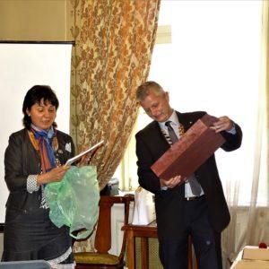Pénzes Ica köszöntése a RC Nyíregyháza képviseletében