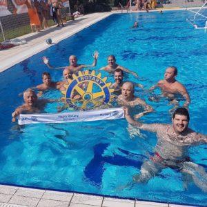 Pólósaink a vízben is helytálltak